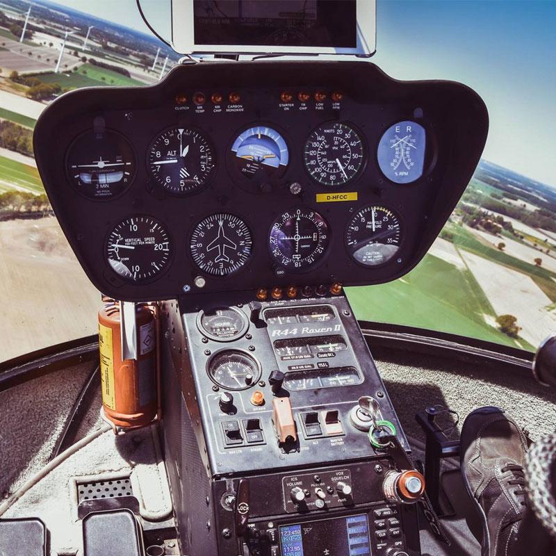 Robinson R44 Cockpit